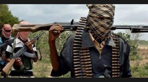 Just In: Bandits Block Kaduna Abuja Road, People Making A U-Turn In The Face Of Gunshots -
